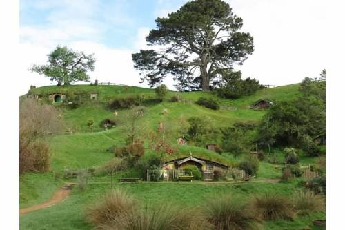 Random picture of my trip to Hobbiton because I'm feeling randomly nostalgic about it and because I wanted a pretty picture for today's post